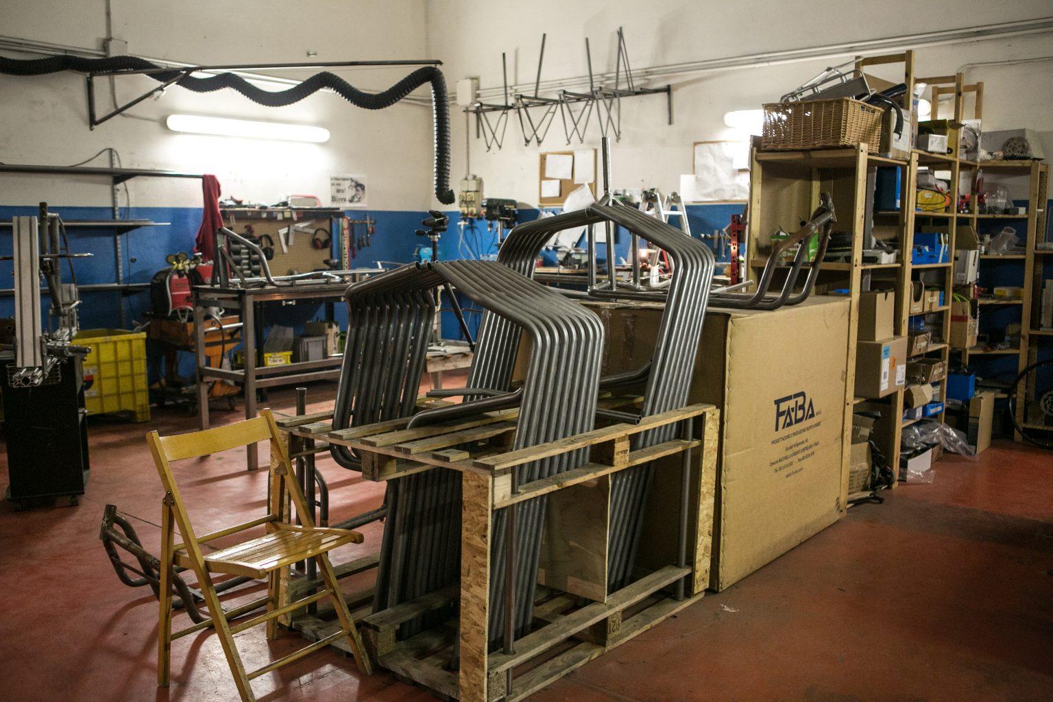 cargo bike officine recycle custom laboratorio workshop